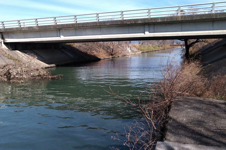 丁野木川河口の橋