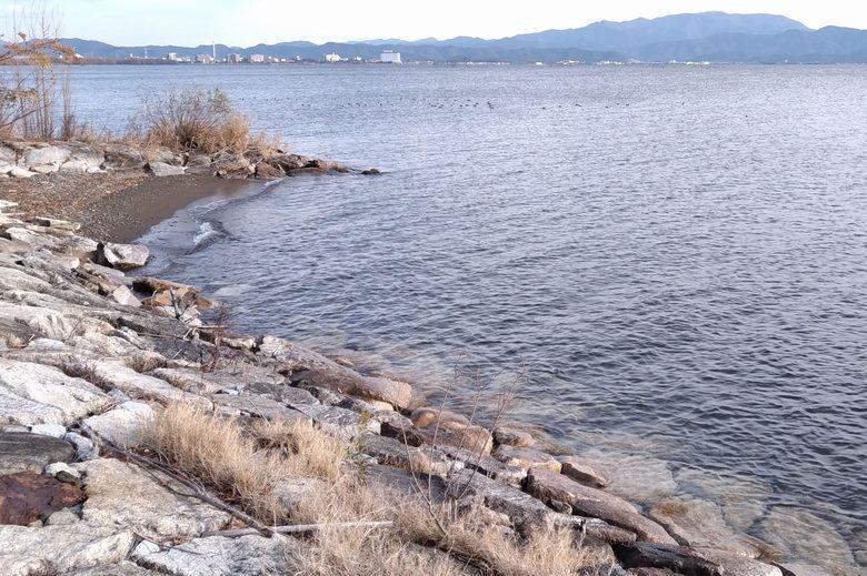 南浜水泳場の石積み護岸