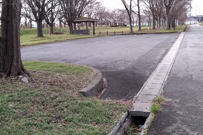 野田沼の駐車場