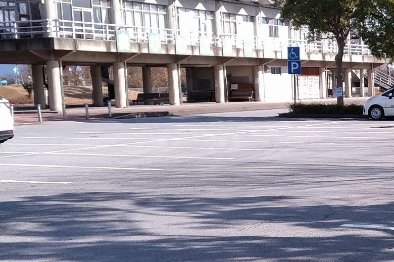 南浦内湖、奥びわスポーツの森の駐車場