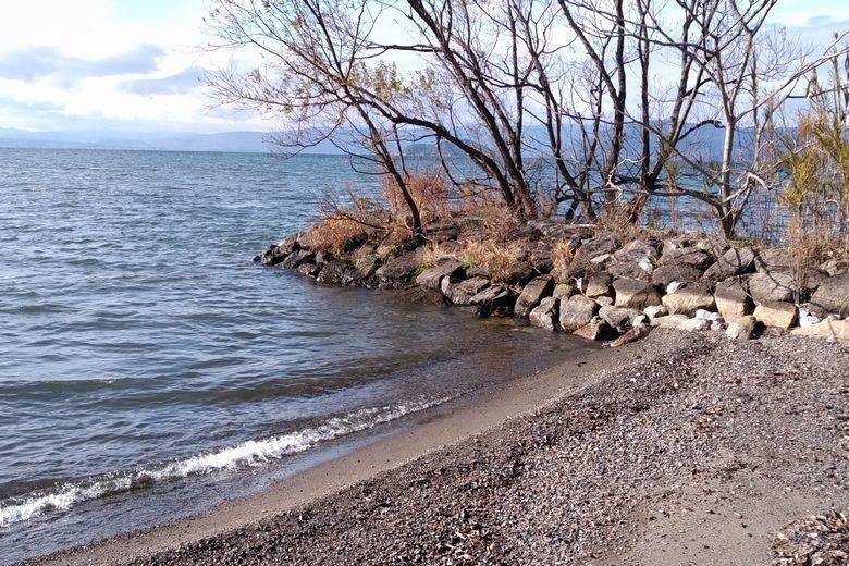 八木浜の石積み