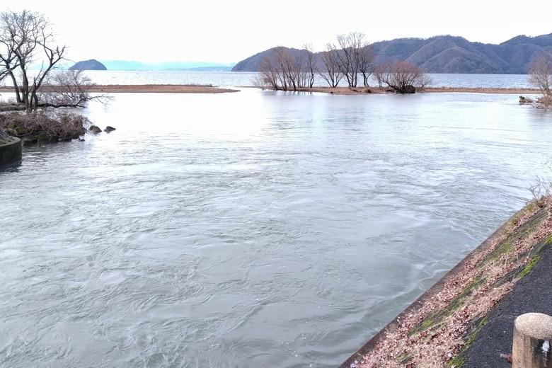 西野放水路の放水出口