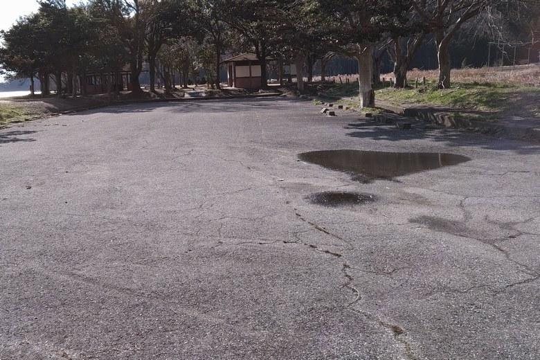 塩津園地の駐車場
