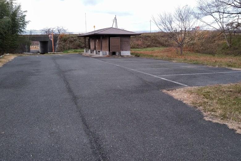 安曇川南流の駐車場
