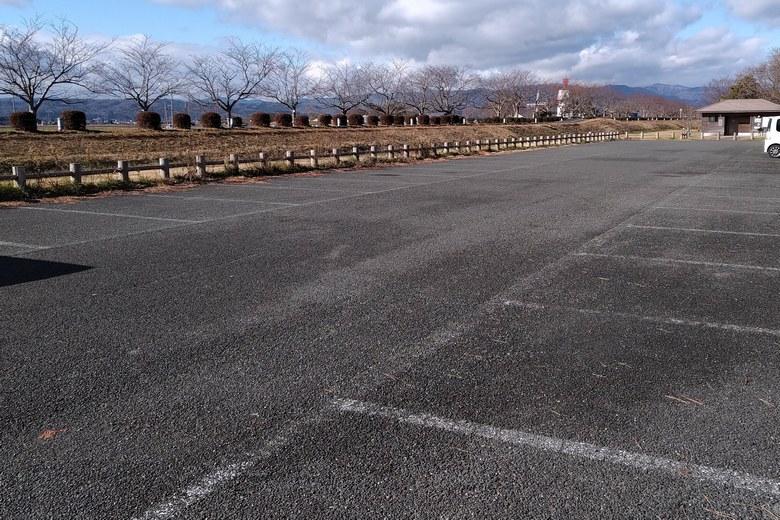 源氏浜の駐車場
