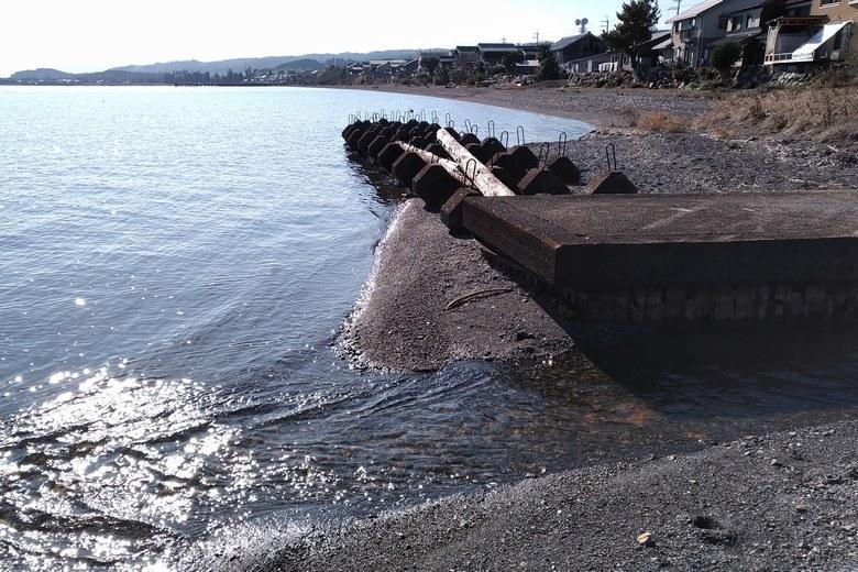 琵琶湖に流れ込む今津周遊基地の南の流れ込み