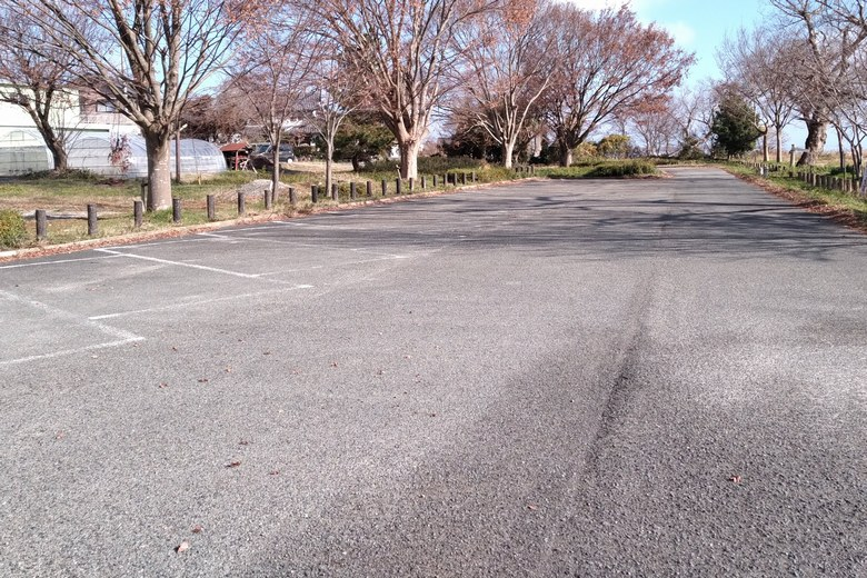 鴨川勝野園地の駐車場