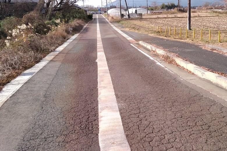 新金丸橋の南側の道路