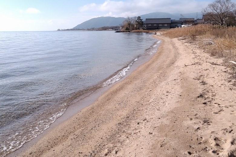 松ノ木内湖の前の琵琶湖湖岸