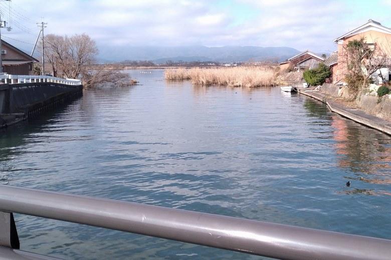 琵琶湖と松ノ木内湖をぬすぶ堀川