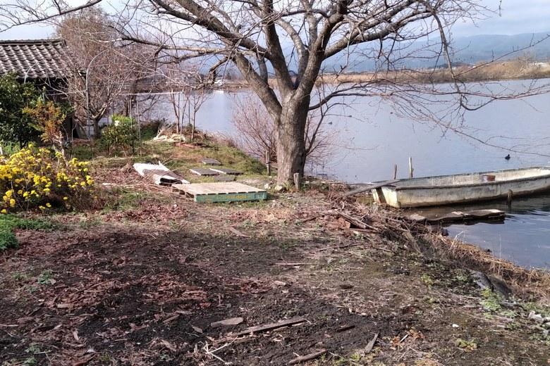 松ノ木内湖の南岸の私有地