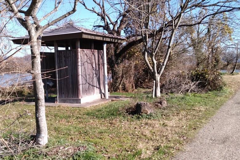 貫川内湖のトイレ