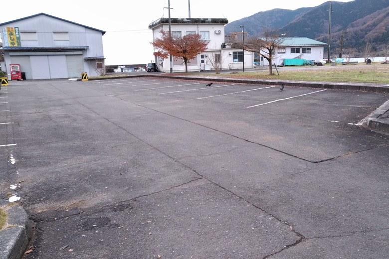 湖岸緑地大浦園地の駐車場