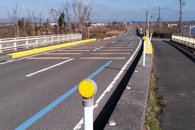 加茂橋と県道304号線
