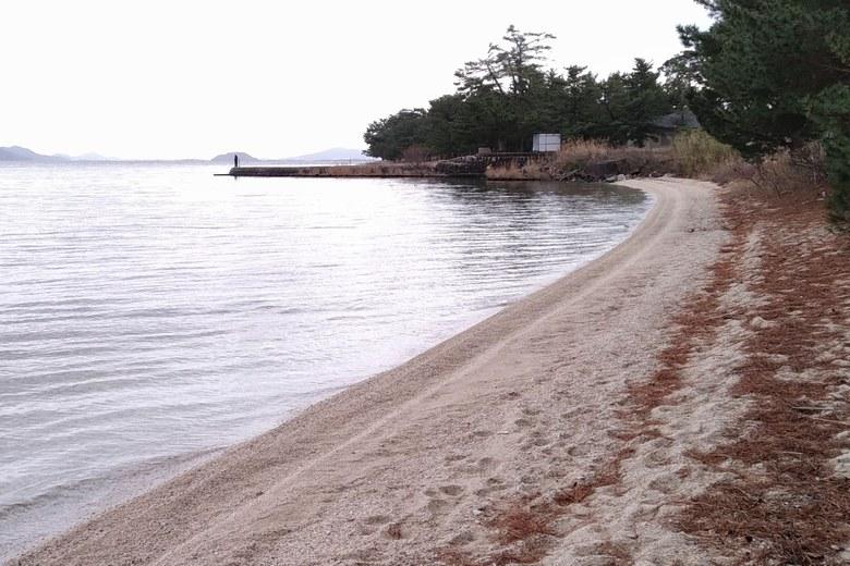 近江舞子の砂浜と南小松港の突提