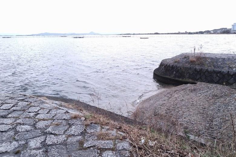 八屋戸川の河口と突堤