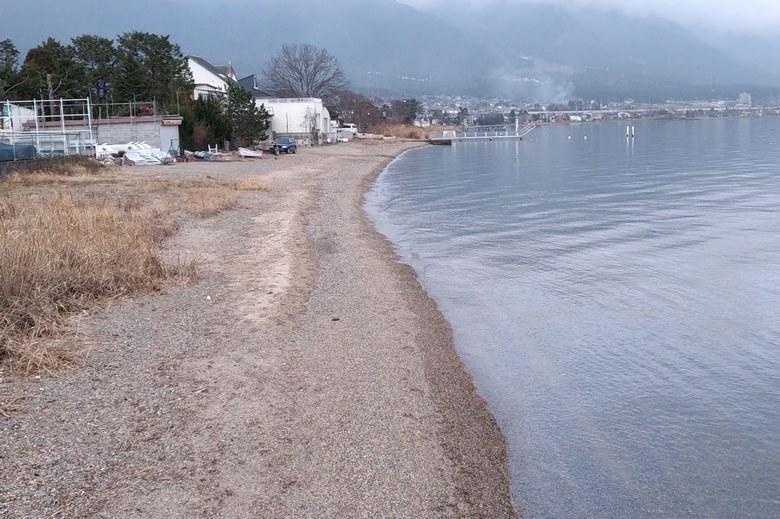 鎌田川河口の北の砂浜