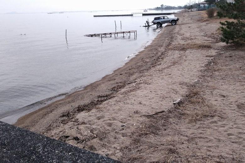 鎌田川河口の南の砂浜