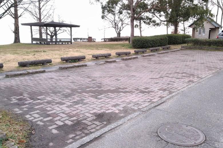 木戸湖岸緑地の駐車場