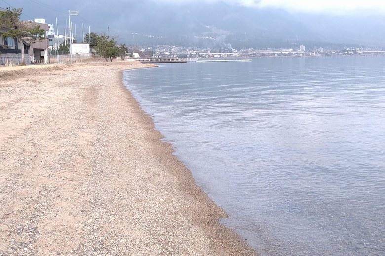 和邇北浜の北の砂浜