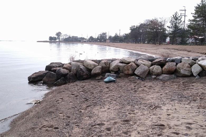 和邇北浜の南の砂浜