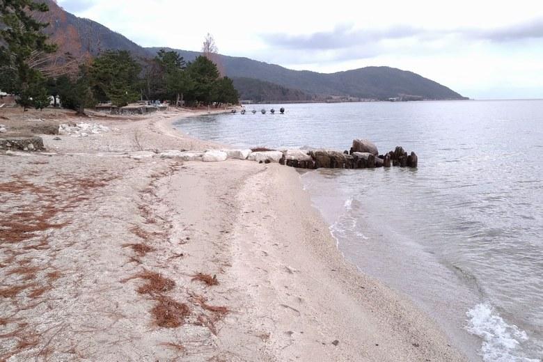 北小松水泳場の砂浜