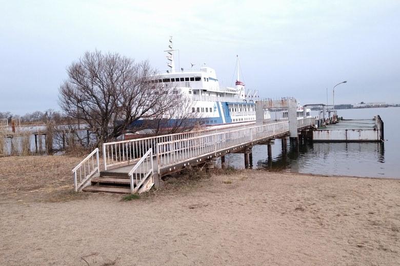 米プラザ前の桟橋