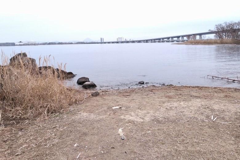 真野川河口と琵琶湖大橋