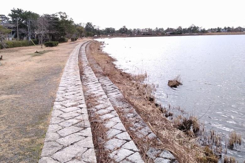近江舞子の内湖の護岸