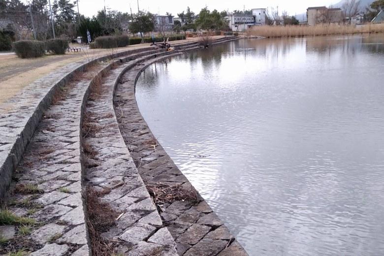 近江舞子の内湖の南側