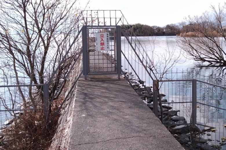立入禁止の防波堤