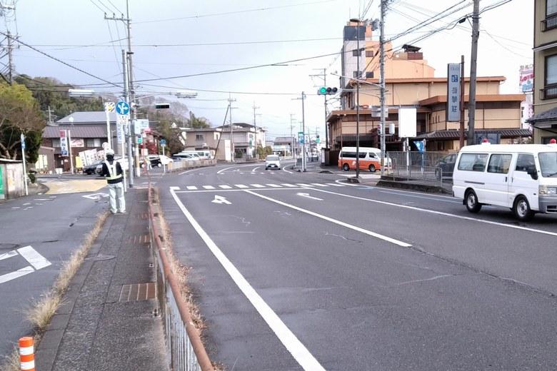 雄琴港の前を通る県道558号線