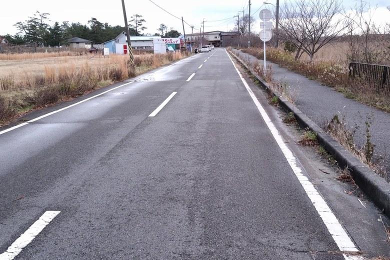 近江舞子へつづく道路