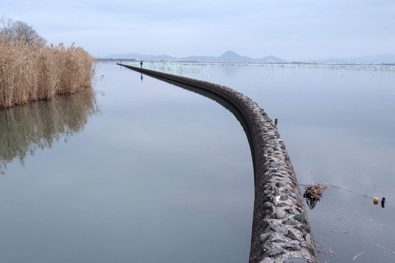 御呂戸川の防波堤の先端