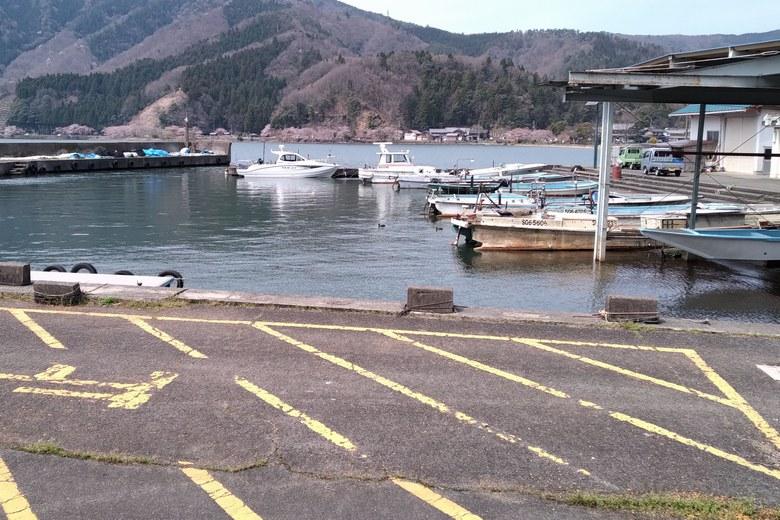 大浦漁港の内部