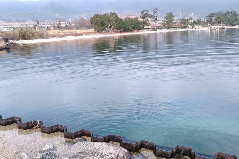 近江舞子の石積み突堤の北側
