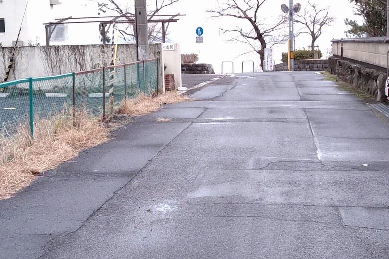 志賀駅から琵琶湖湖岸へ行く道