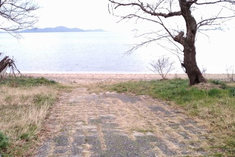 志賀駅から松ノ浦浜への通り道