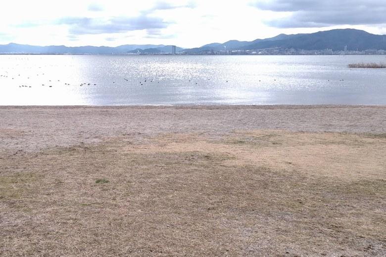新唐崎公園から見る琵琶湖