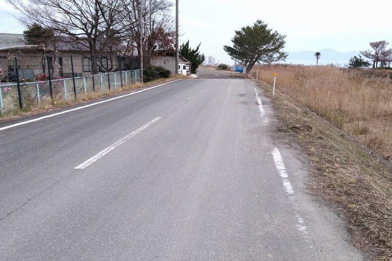 和邇浜河口の前の道路