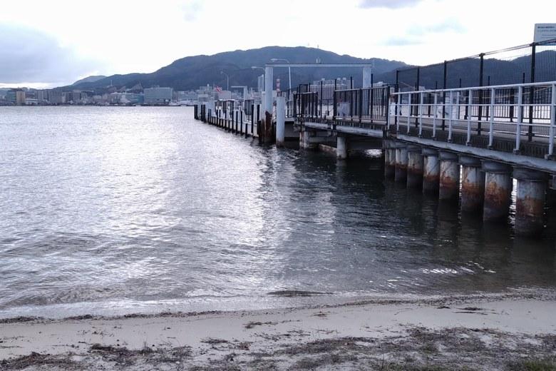 柳が崎の南ある桟橋