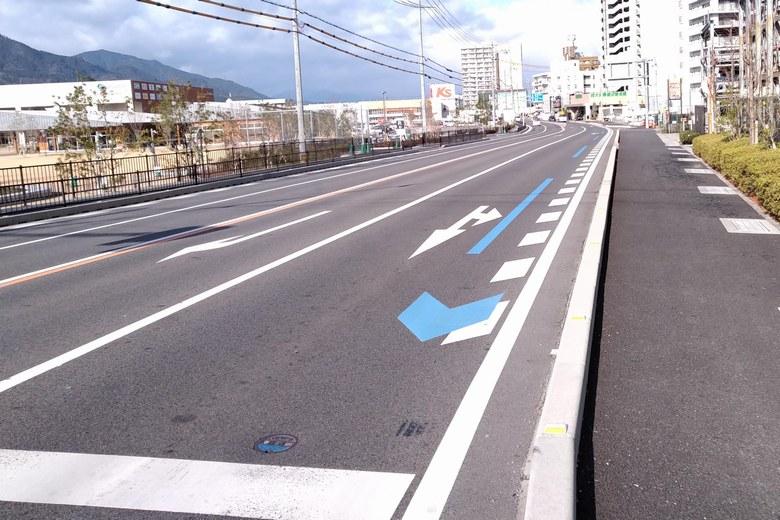 柳が崎の近くを通る、県道558号線