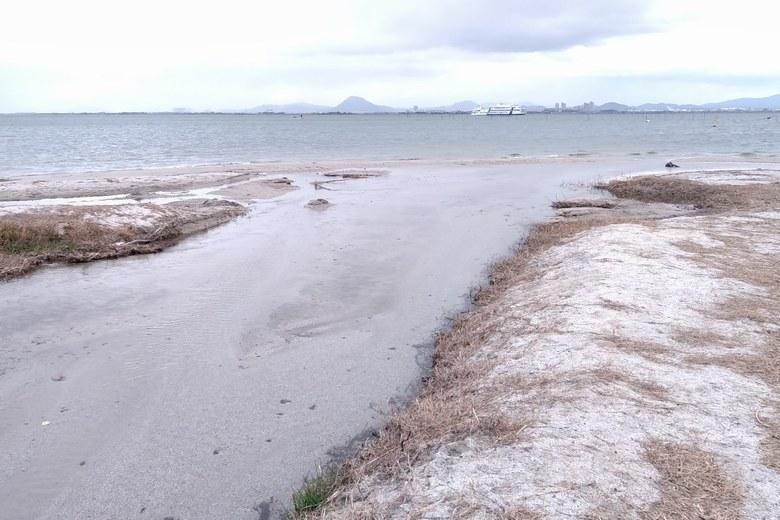 琵琶湖に流れこむ柳川河口