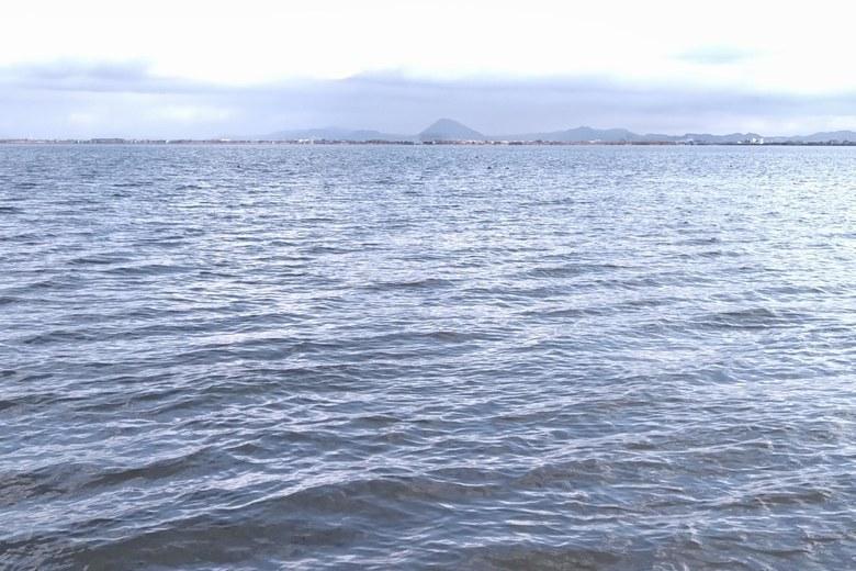 四ツ谷川河口の沖