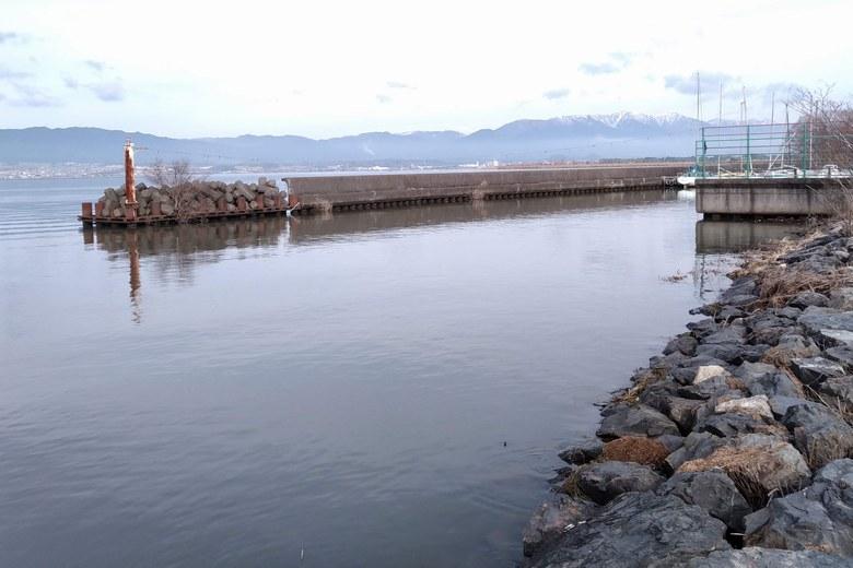 赤野井漁港の出口とミオ筋