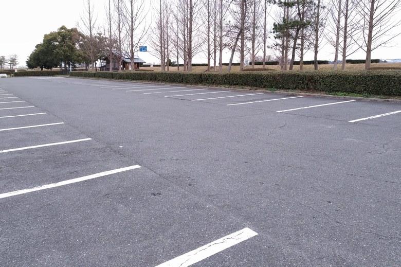 赤野井1の駐車場