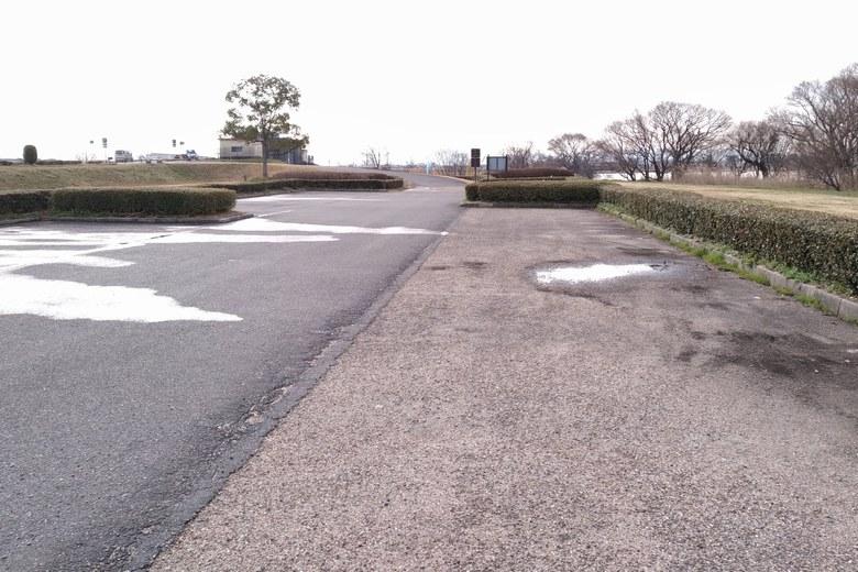 赤野井3南の駐車場