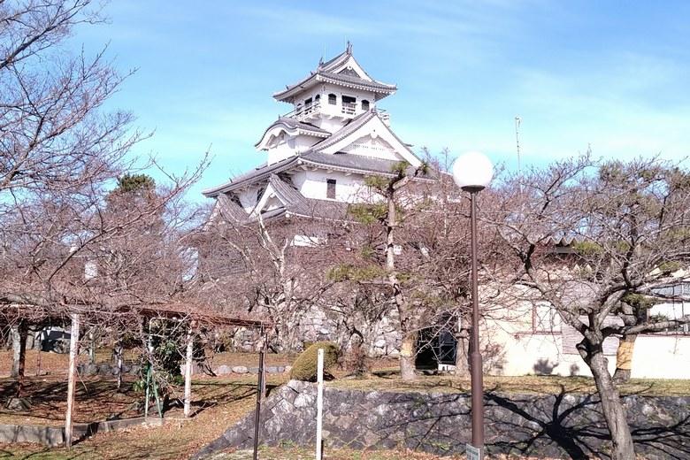 豊公園から見た長浜城