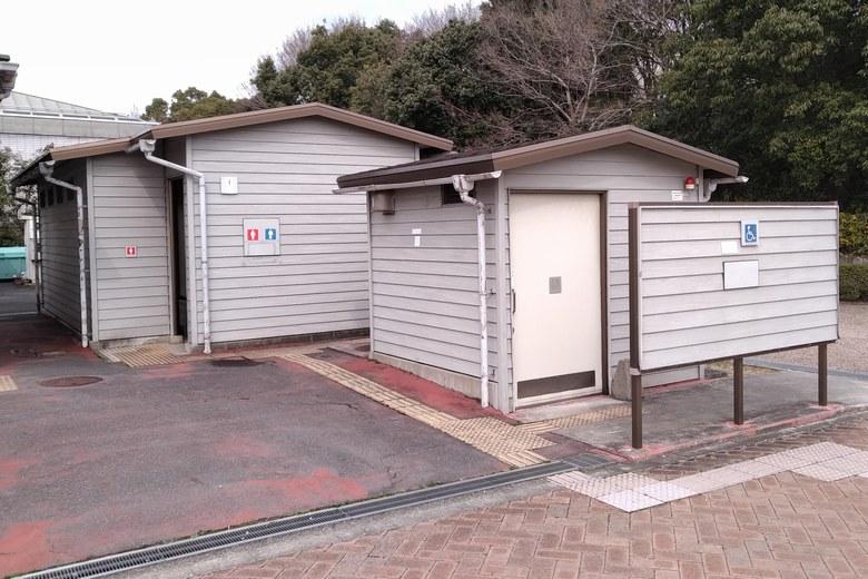 烏丸半島の公衆トイレ