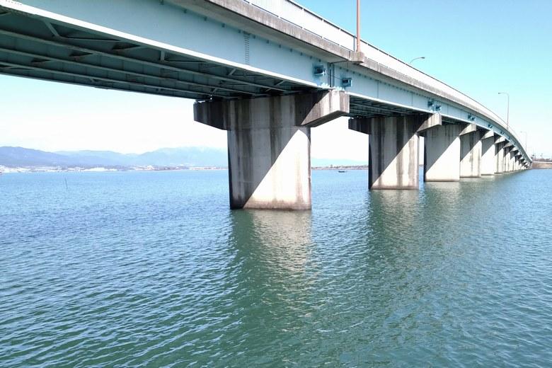 帰帆島の北にある、帰帆北橋の橋脚